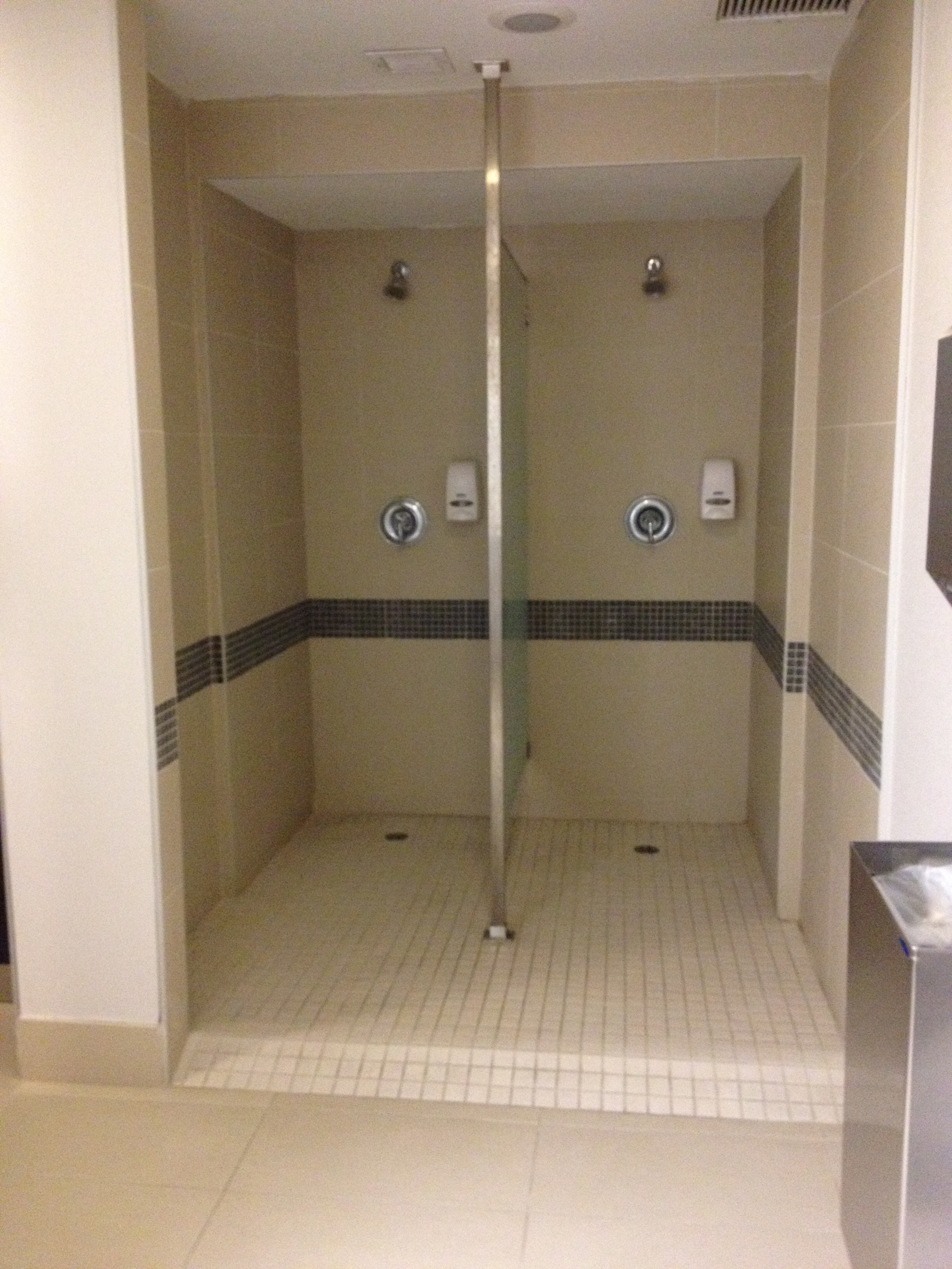 Pool changing room 612
