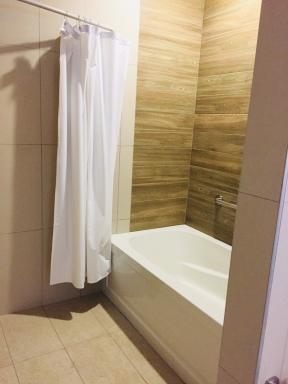 Full Bathtub